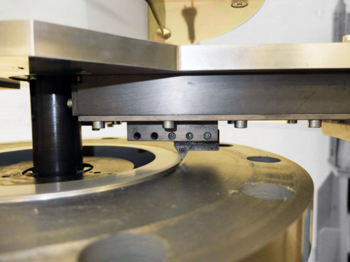 US30ACC - ID mount beveler with flange resurfacing module